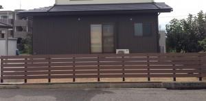木目調の樹脂板塀でフェンスを 富山5