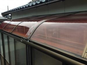 テラス囲いの屋根破損 アクリル