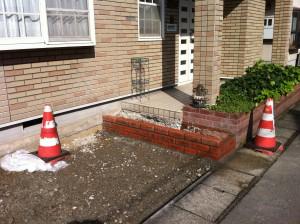 レンガ階段と駐車場の作成