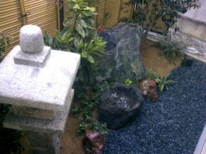 坪庭工事で落ち着いた空間を 富山市3