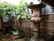 天然竹から樹脂製の竹垣へ