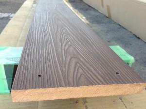 木目の節がきれいな樹脂板