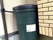雨水を利用して水まきや洗車に 雨水タンク(販売終了)
