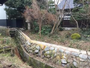石垣を改修して和風板塀フェンス 3
