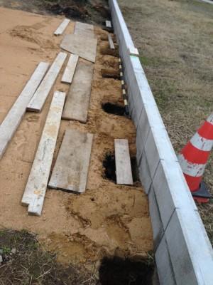 板塀のフェンス柱立て 富山市