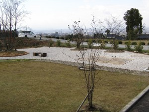 大きなお庭の花壇、テラス工事 滑川市2