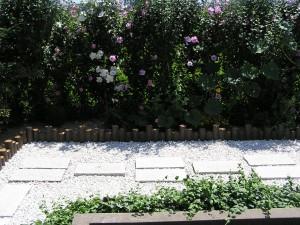 ピンコロ石と擬木でお庭の改装 富山市2