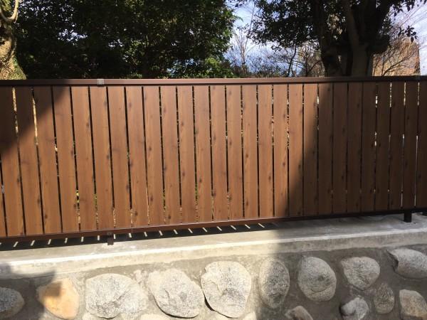 石垣を改修して和風板塀フェンス 4