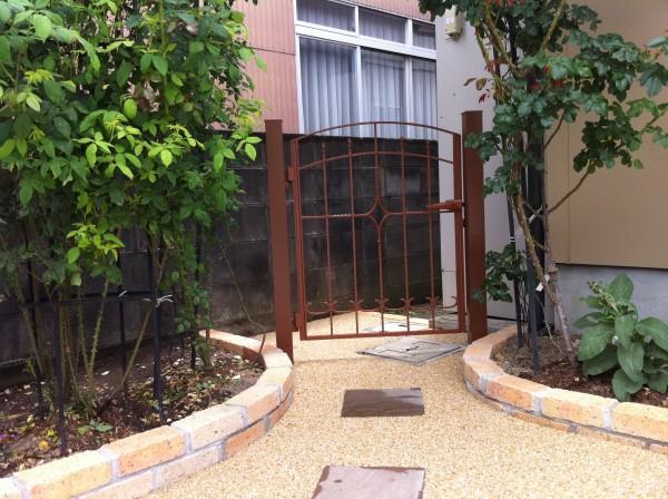 レンガと洗い出しの駐車場コンクリート 外構工事 富山市4