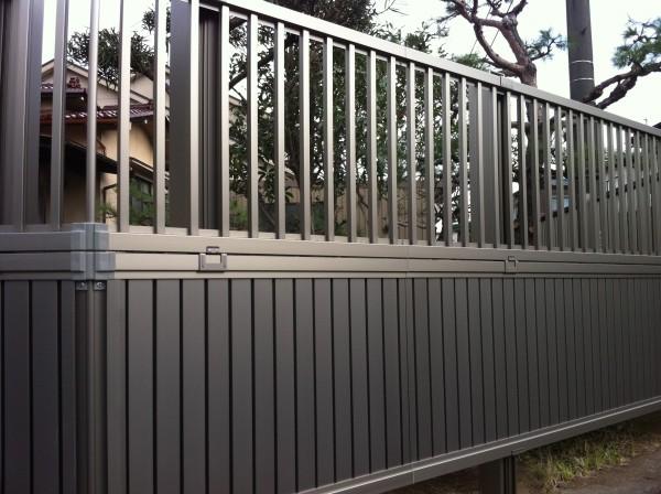 目隠しと格子のフェンス工事 富山市1