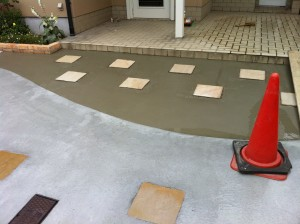 レンガと洗い出しの駐車場コンクリート 外構工事 富山市5