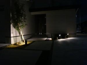 シルエットを利用した灯り 高岡市T宅3