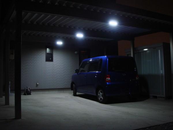 LEDライトでカーポートを明るく 高岡市1