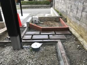 コンクリート枕木とボーダー