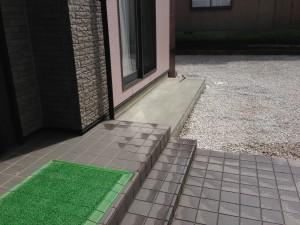 犬走りコンクリート打設