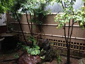 天然竹から樹脂製の竹垣へ8