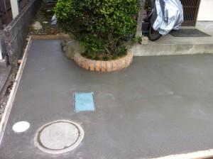 レンガ小端立てとコンクリート打設