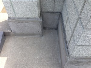 刷毛引きのラインがきれいなブロック塀へ3