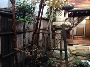 天然竹から樹脂製の竹垣へ5
