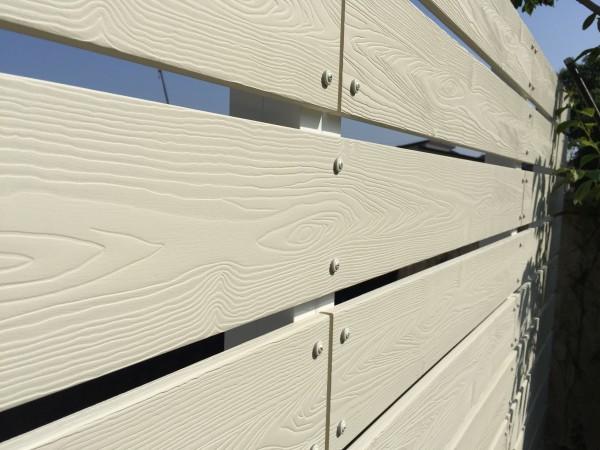 アイボリー色の板塀 ガーデニングフェンス 富山市7