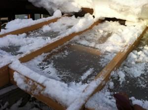 テラス屋根雪下ろし