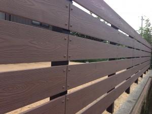 木目調の樹脂板塀でフェンスを 富山6