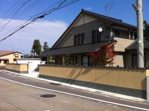 落ち着いた和風塀に 富山3