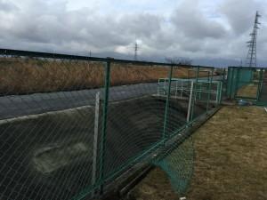 網のフェンス解体