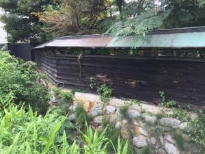 石垣を改修して和風板塀フェンス 2