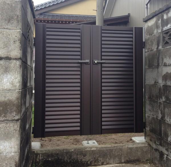 意匠性の高い門扉 エクモアX8型 富山市7