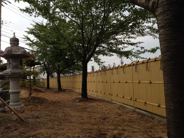 和の庭を演出する竹垣工事 富山市1
