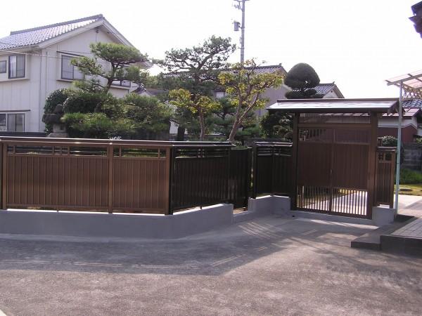 アルミ門ユニットと塀で和風らしさ 富山市1