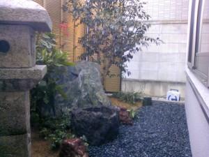 坪庭工事で落ち着いた空間を 富山市2
